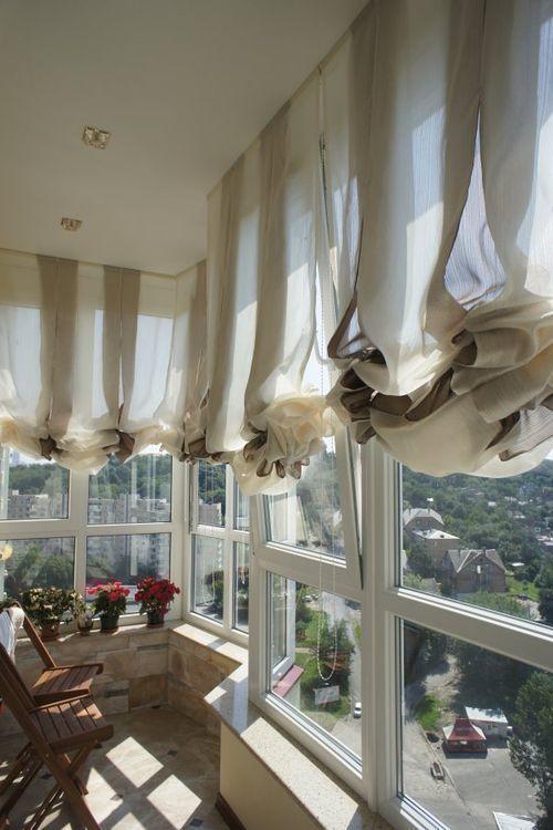 австрийские шторы на французском балконе