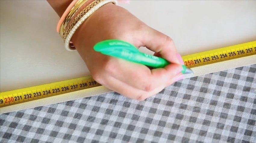 Ширина каждой полосы варьируется в пределах 3-5 см